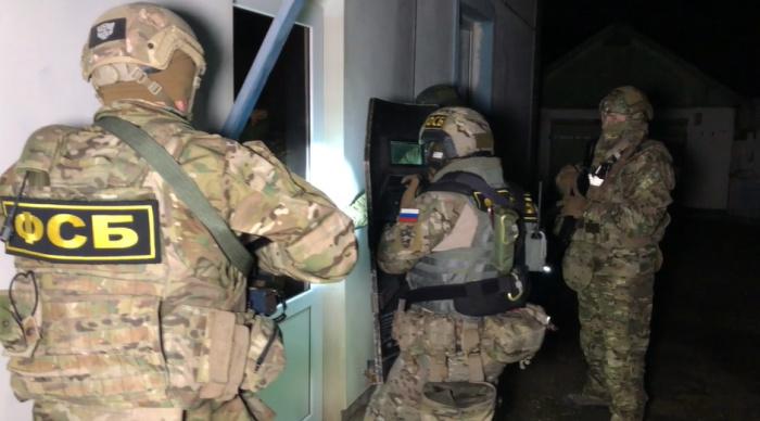 Операция о задержанию предполагаемых экстремистов проходит в Крыму.