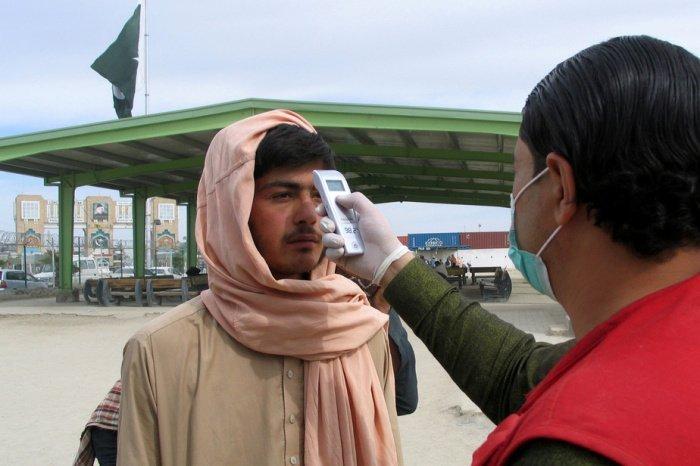 Минздрав Афганистана сообщил о росте числа заразившихся коронавирусом.