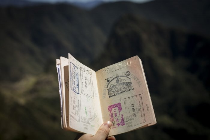 Авторы исследования поясняют, что коронавирус серьезно повлиял на передвижение людей и ценность паспортов: некоторые из них «ослабли»