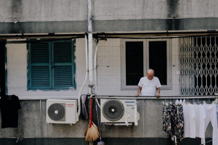 Первую чистку фильтра устройства советуют выполнить перед началом сезона и далее - каждый месяц регулярной эксплуатации в жаркий сезон