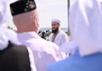 Муфтий Татарстана открыл мечеть, восстановленную после пожара