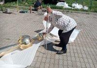 Минарет мечети в селе Каргополь получил новый полумесяц