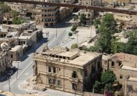 При подрыве колонны в Сирии пострадали российские военные