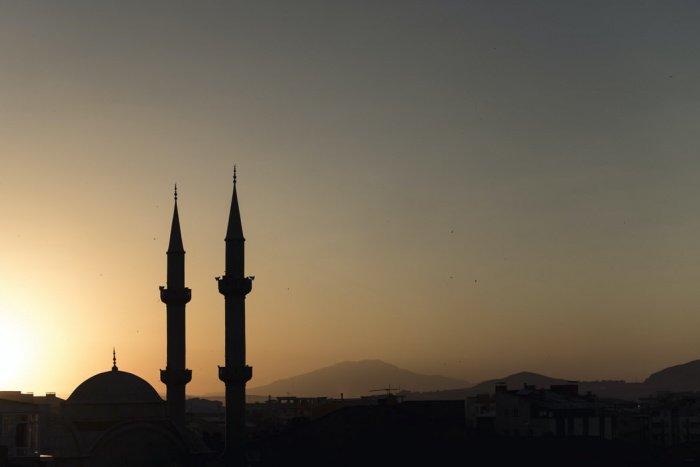 Мечеть Куршум, известная как мечеть Осман-шаха, создал известный османский архитектор Мимар Синан в XVI веке