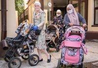 БФ «Закят» ДУМ РТ подарил детские коляски малоимущим семьям