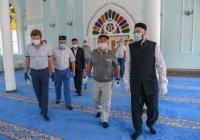 Президент и муфтий Татарстана посетили Азимовскую мечеть после реконструкции