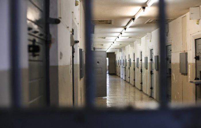 Следователи проверяют подозреваемых на причастность к другим преступлениям и выявляют их сообщников