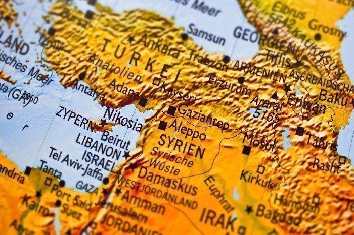 """""""Магавир ас-Саура"""", по его словам, финансируется со стороны США, а ее членов тренируют с оружием американского производства"""