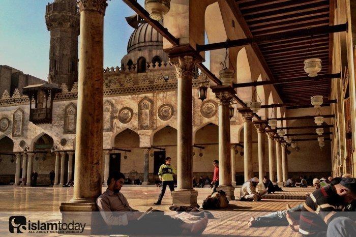 Об отношениях между университетом Аль- Азхар и Дар аль-Ифтв Аль-Мисрия. (Источник фото: yandex.ru)