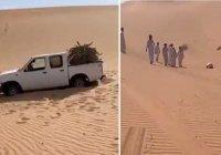 В пустыне нашли тело пропавшего мужчины, который умер в положении саджда