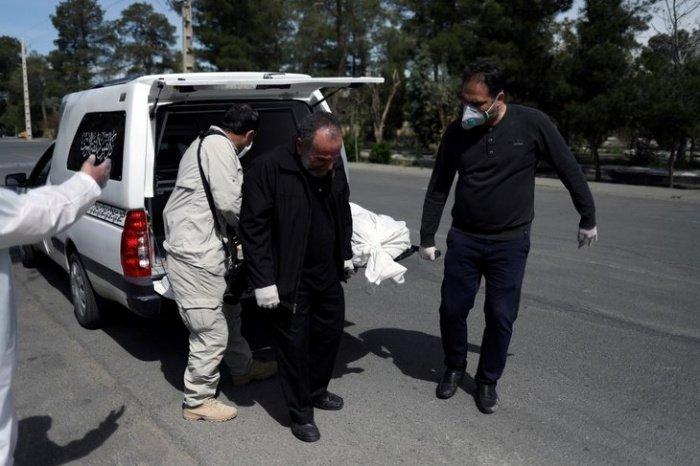 Иранский минздрав сообщил о новом антирекорде по смертности от коронавируса.