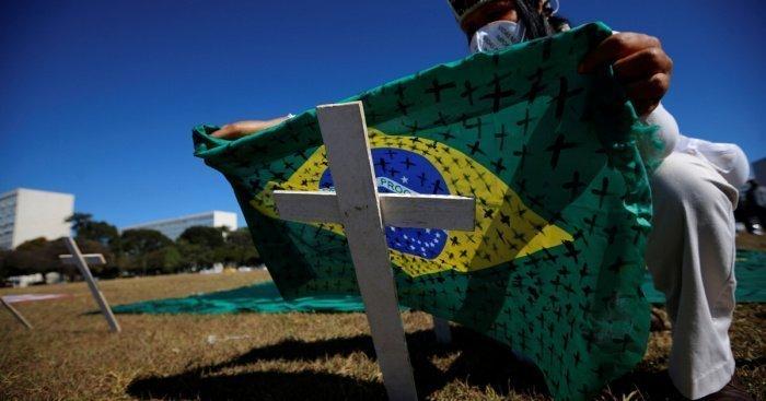 Десятки бразильских священнослужителей погибли от коронавируса.
