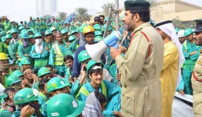 В Кувейте - массовые увольнения иностранцев.