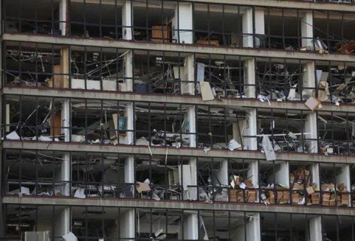 Среди погибших и пострадавших в Бейруте россиян нет, сообщили в посольстве.