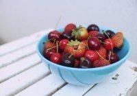 Стало известно, для кого опасны ягоды