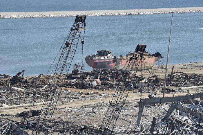 Порт Бейрута больше может принимать гуманитарные грузы.