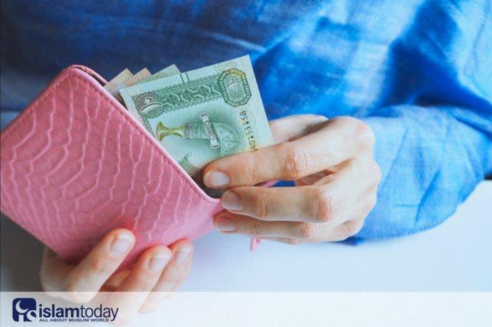 О денежных отношениях между мужем и женой (Источник фото: freepik.com)