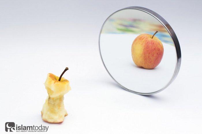 О различиях между гордостью и чувством собственного достоинства. (Источник фото: freepik.com)