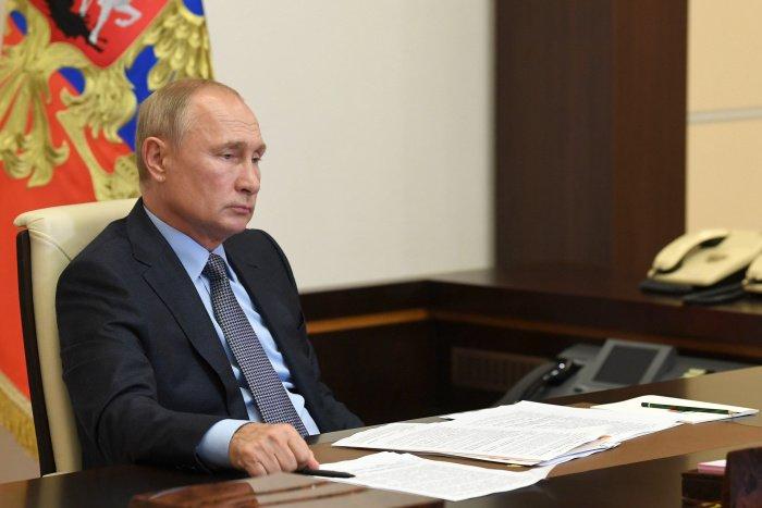 """По словам Путина, """"рано или поздно эта ситуация пройдет"""", и будет расти как мировая экономика в целом, так и российская в частности (Фото: Алексей Никольский/ТАСС)"""