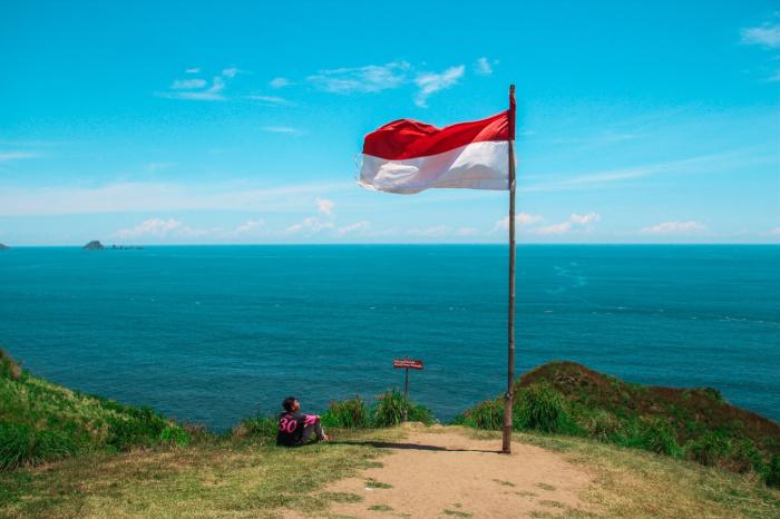 Информации о разрушениях и пострадавших, а также об угрозе цунами нет