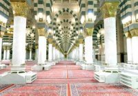 В главной мечети Медины снова расстелят ковры