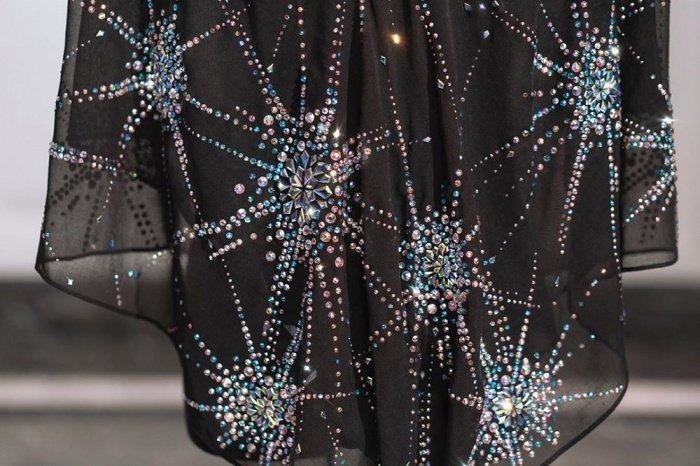 При этом отмечается, что платок не предназначен для продажи (ФОТО: @ BAWALEXCLUSIVE INSTAGRAM)