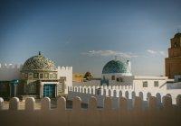 Тунис принимает первых после начала пандемии туристов