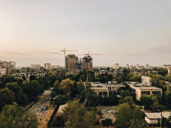 В связи с пандемией коронавируса в марте 2020 года Киргизия запретила въезд в страну гражданам иностранных государств, кроме дипломатов и членов официальных делегаций