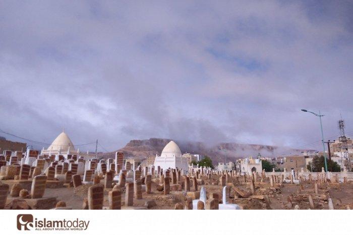 Кладбище занбал, Тарим. Авторское право Зайн аль-Хаддад. Все права защищены.