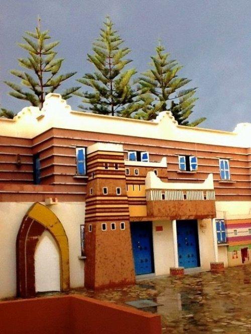 Интересные традиции: мусульманская деревня, где рисунки на стенах дома определяют статус его хозяина