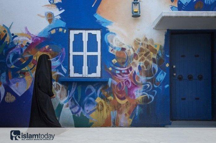 Красочная деревня в Саудовской Аравии. (Источник фото: globustur.spb.ru)