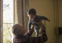 Перечислено 3 переломных момента в старении