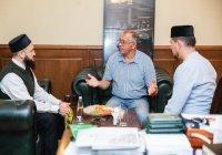 Муфтий Татарстана встретился с руководством уфимской татарской мечети «Ихлас»