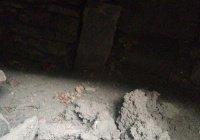 Дагестанец нашел в своем дворе древние подземные комнаты со скелетами