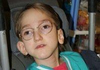 Мать парализованной Нурии заболела, девочке нужна помощь (ОТКРЫТ СБОР)