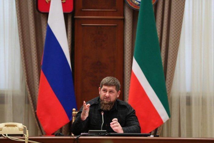 Рамзан Кадыров провел заседание регионального оперативного штаба по коронавирусу.