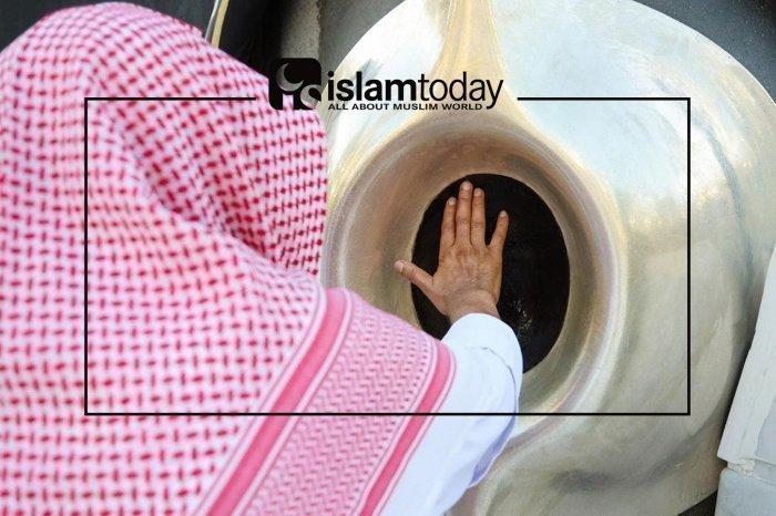 Что говорит Ислам о Хаджар аль-асвад. (Источник фото: yandex.ru)