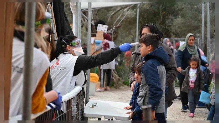 Коронавирус впервые добрался до крупнейшего в Греции лагеря мигрантов
