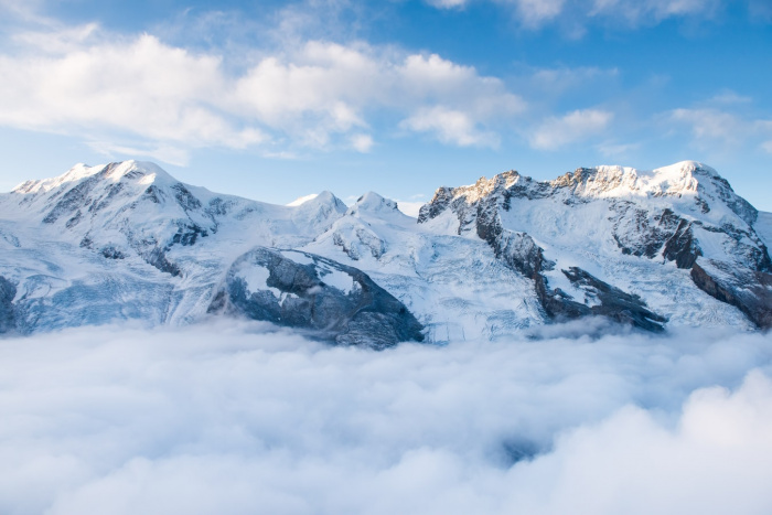 Аномально высокие летние температуры отрицательно влияют на ледники в Альпах