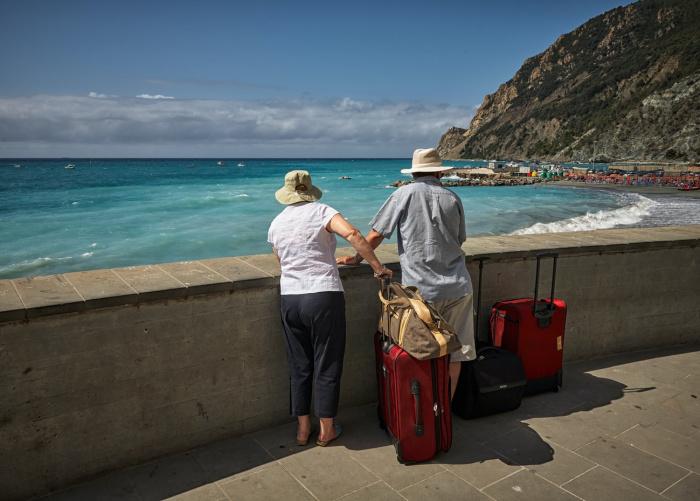 Попасть на многие мировые курорты можно и сегодня, но только чередой стыковочных рейсов и без гарантий возврата домой