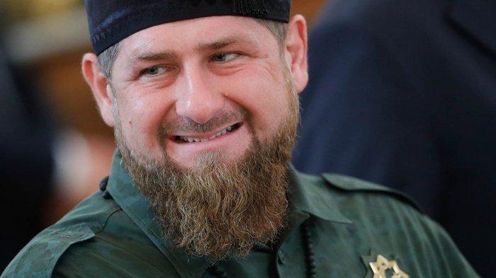 Глава Чечни поручил правительству помогать молодым талантам.