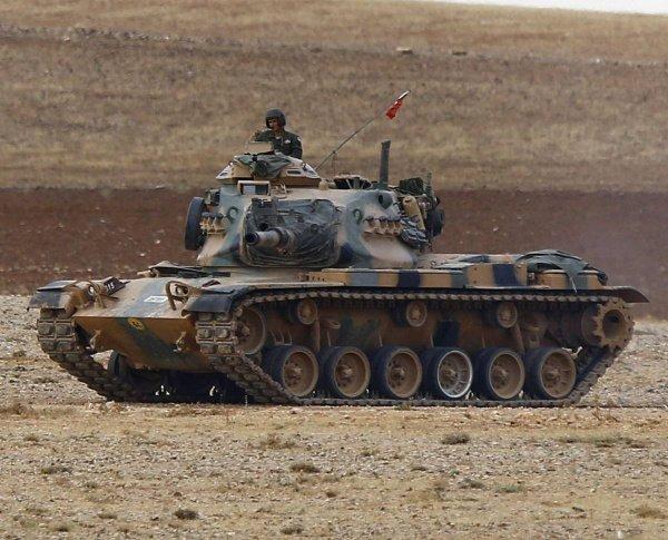Греческие СМИ сообщили о переброске к границам страны турецких танков.
