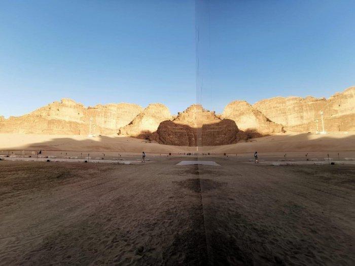 Фото, которые введут вас в замешательство: самое большое зеркальное здание в мире