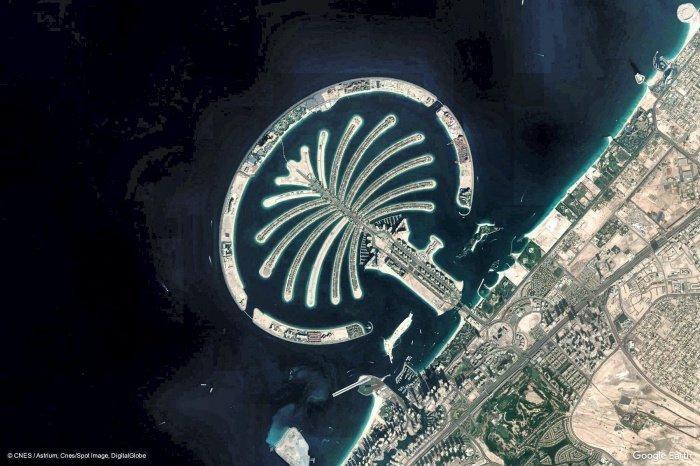 Пальма Джумейра в Дубае.