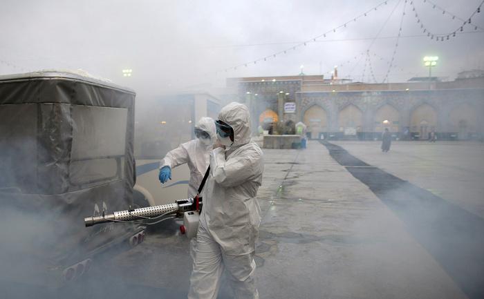 В Иране продолжает расти число жертв коронавируса.