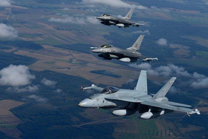 В Минобороны обеспокоены активизацией самолетов НАТО у российских границ.