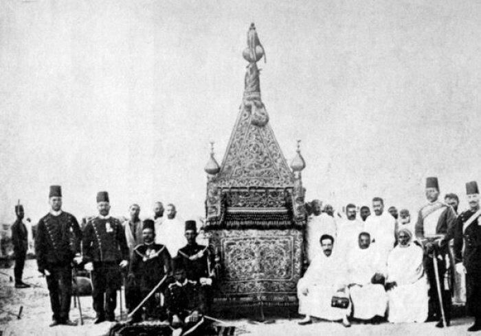 Уникальные кадры: именно так накидку Каабы возили из Египта в Мекку со времен халифов (ФОТО)