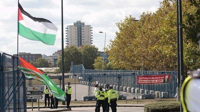 Палестина жестко осудила решение ОАЭ и Бахрейна о мире с Израилем.