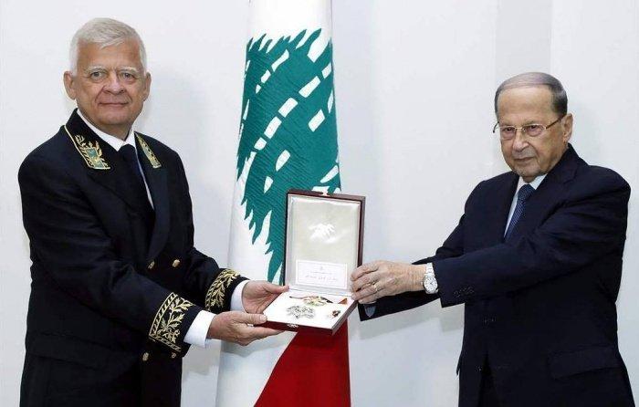 Александр Засыпкин и Мишель Аун на церемонии в Бейруте.