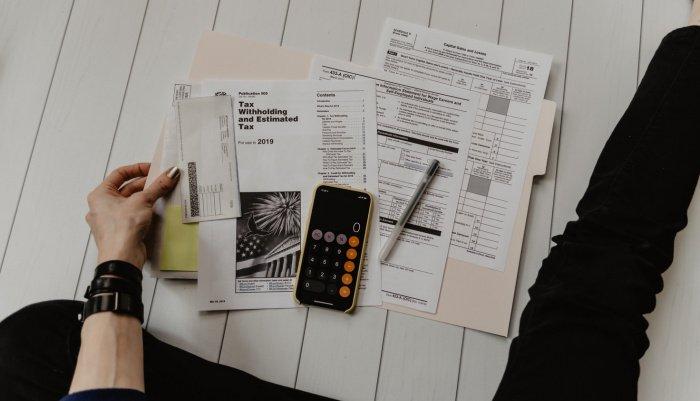 Доля затрат на коммунальные услуги в потребительских расходах среднестатистической семьи в России составляет 9,6%